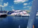Mit dem Schlauchboot über den finnischen Meerbusen um Sprit zu kaufen. Kann man mal machen.