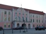 ...und wichtige Schaltzentralen. Hier das estnische Parlament auf dem Domberg...