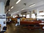 Direkt neben dem Hafen gibt es noch ein Museum über historische Freizeitboote. Das wird natürlich auch noch mitgenommen.